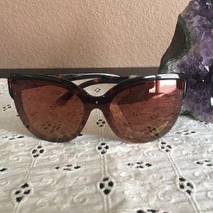 ❤️ Sunglasses by Oscar De La Renta ❤️